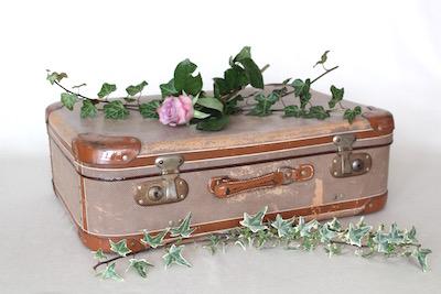 Happily Ever After Hochzeit Verleih Berlin Koffer 1