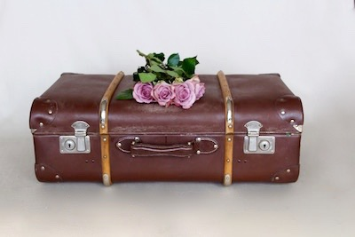 Happily Ever After Hochzeit Verleih Berlin Koffer 5