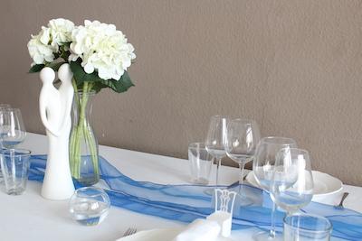Happily Ever After Hochzeit Verleih Berlin Tischläufer Organza blau