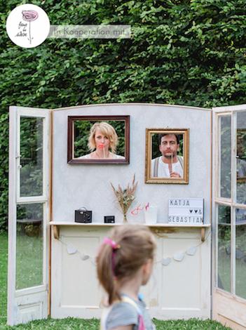 happily-ever-after-hochzeit-verleih-dekoration-berlin-dekorationsverleih-prenzlauer-berg-wohnzimmer-aufsteller-fotobooth-2