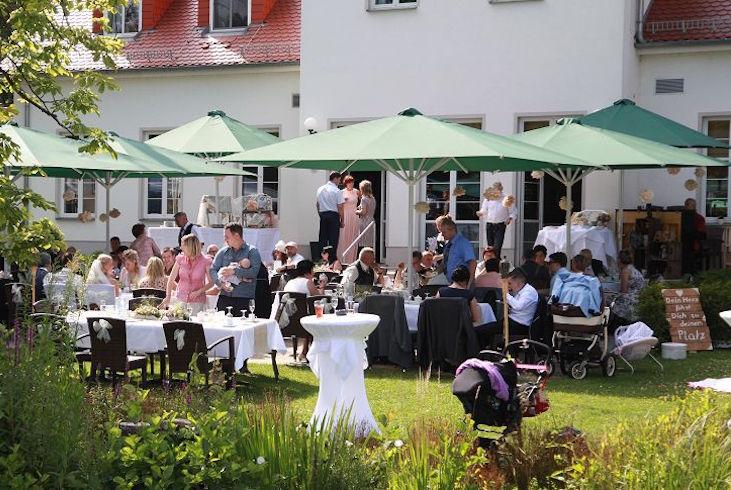A&J Cafe Wildau Verleih Hochzeitsdekoration Happily Ever After Berlin 53