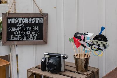 fotobooth g stebuchstation happily ever after. Black Bedroom Furniture Sets. Home Design Ideas